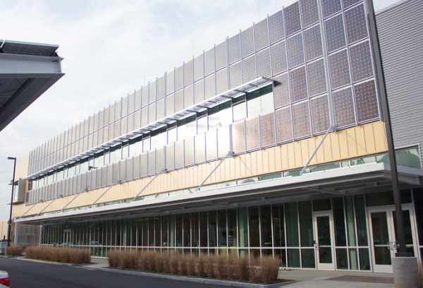 The Carbon Neutral Energy Solutions Laboratory features photovoltaic arrays for solar power, generating 290 kW. The building was awarded Platinum LEED status for its sustainability measures.