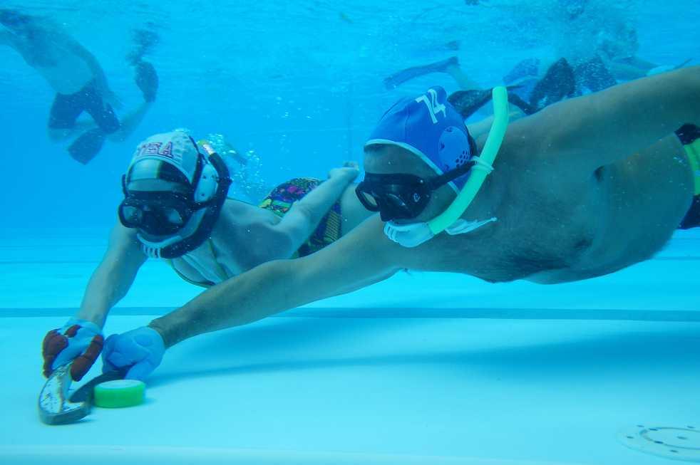 Underwater Hockey Team Embraces Uniqueness Technique