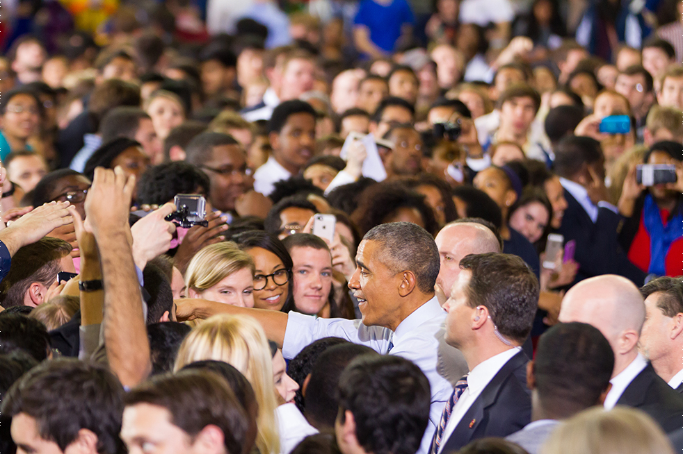 """President Obama works the crowd following his address. Students who shook his hand called the moment a """"once in a lifetime opportunity."""" // Photo by Tyler Meuter"""