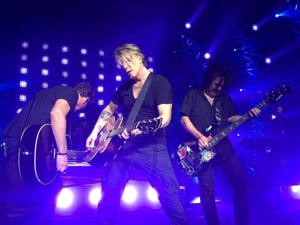the goo goo dolls an alternative The goo goo dolls are an alternative rock band formed in 1986 in buffalo, new york by guitarist/vocalist johnny rzeznik and bassist/vocalist robby takac find news, videos, and pictures of the goo goo dolls here.